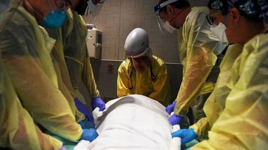40 giây lại có một ca tử vong vì COVID-19, Mỹ lo sợ dịch bệnh 'phủ bóng' mùa lễ hội