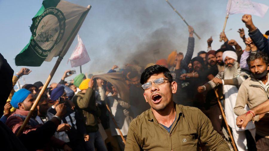 Hàng nghìn nông dân Ấn Độ biểu tình, cảnh sát phun vòi rồng giải tán