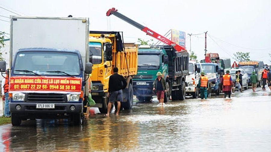 Dừng miễn phí BOT cho phương tiện cứu trợ bão lũ từ 1/12