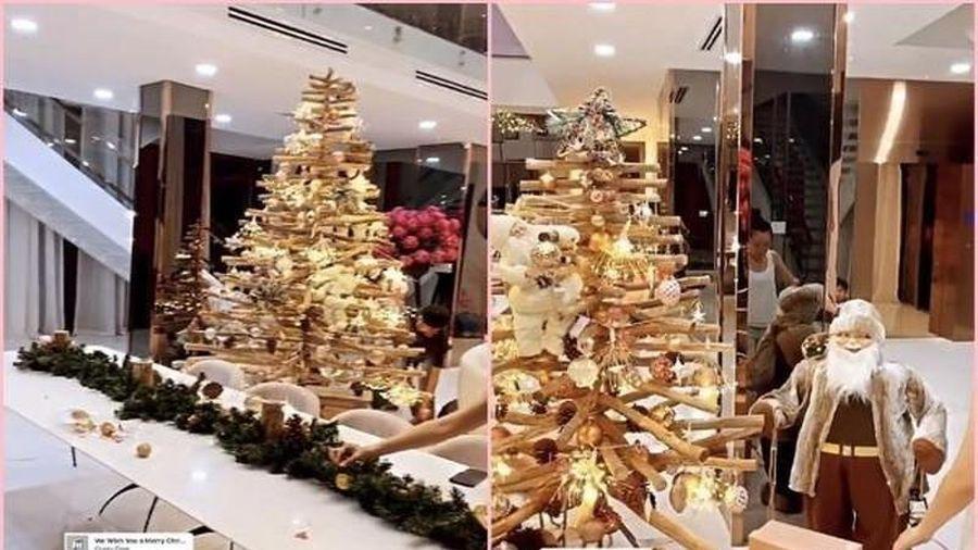 Trang trí Giáng sinh dát vàng, Ngọc Trinh khiến dân tình lác mắt