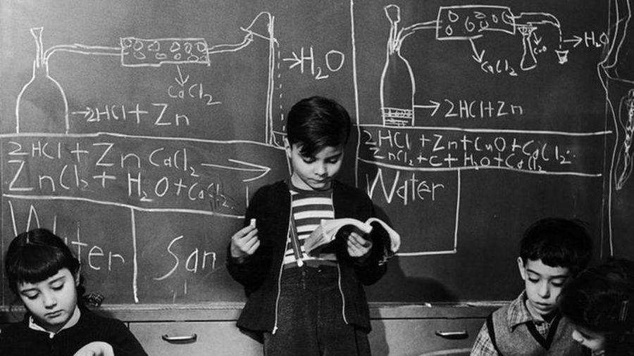 Bên trong trường đào tạo thiên tài nhí ở thế kỷ trước