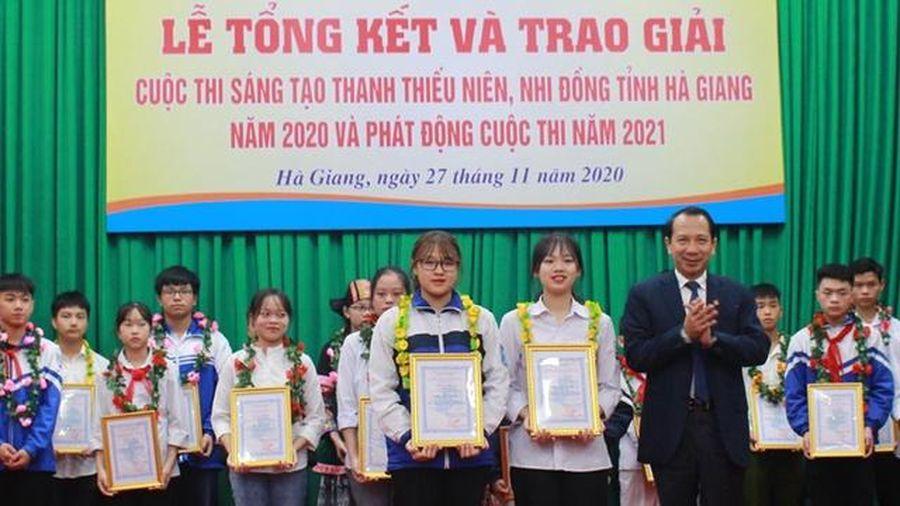 Hà Giang trao giải Cuộc thi sáng tạo thanh thiếu niên, nhi đồng năm 2020