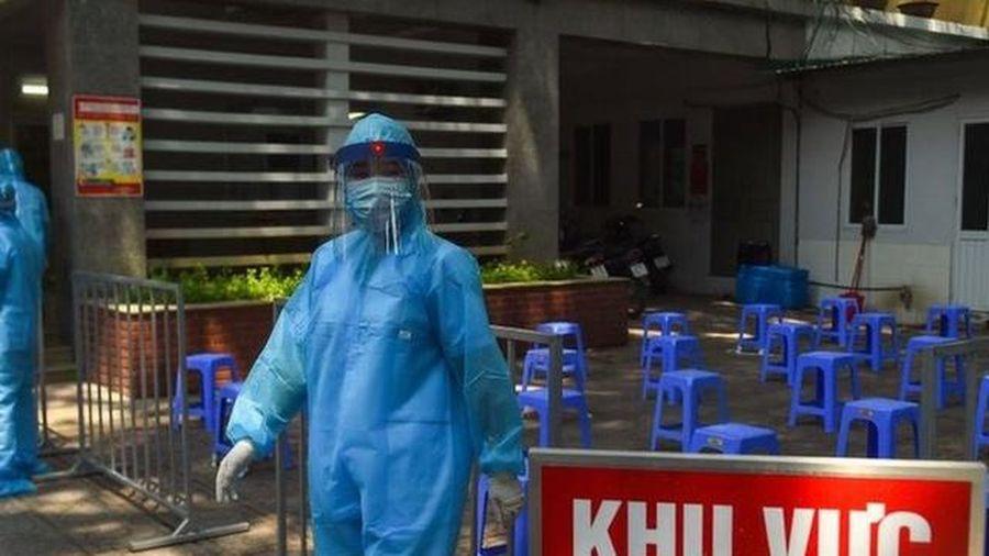 Việt Nam có thêm 2 người về từ Nga, Nhật mắc COVID-19 cách ly ngay khi nhập cảnh