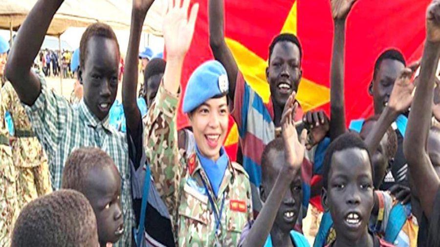 Sỹ quan Việt Nam chung tay chống Covid-19 ở châu Phi