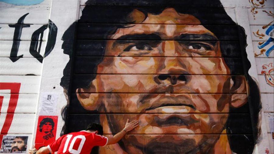 Nước mắt rơi ngày tiễn biệt Maradona
