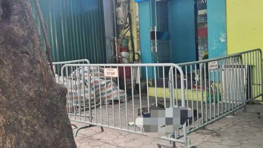 Người đàn ông trung tuổi tử vong gần cây ATM ở Hà Nội