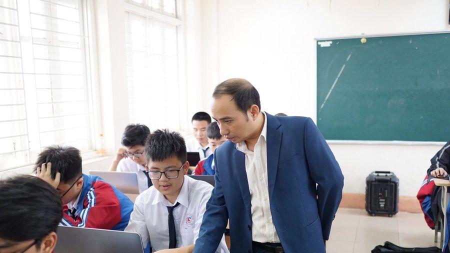 Thầy giáo dạy Tin giàu thành tích của trường chuyên Hạ Long