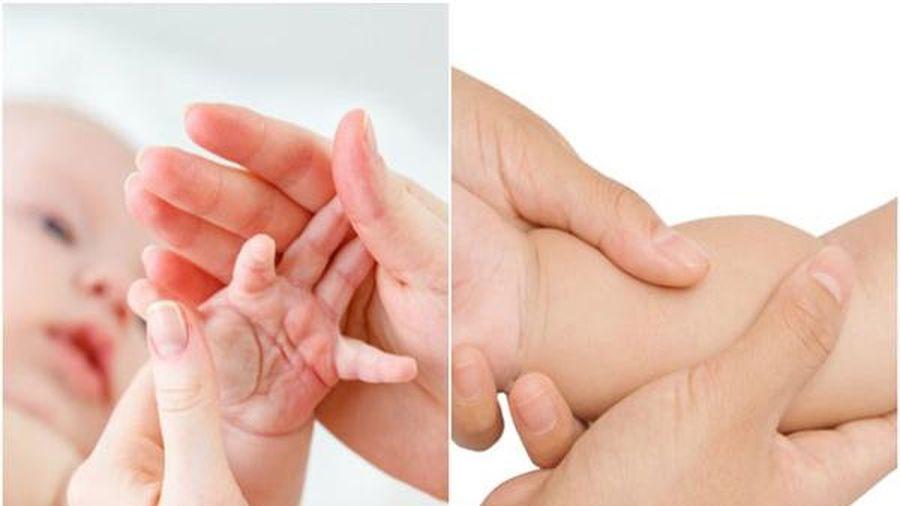 Học cách massage hạ sốt nhanh cho bé không cần dùng đến thuốc