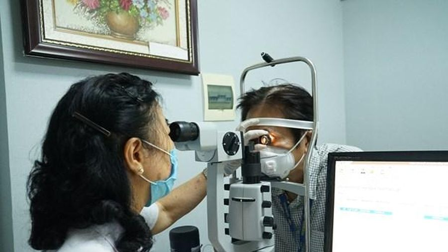 Việt Nam hiện có khoảng 2 triệu người bị mù và thị lực kém