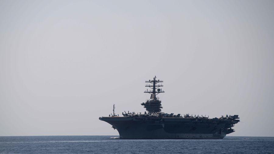 Mỹ triển khai Tàu sân bay Mỹ USS Nimitz đến vùng Vịnh