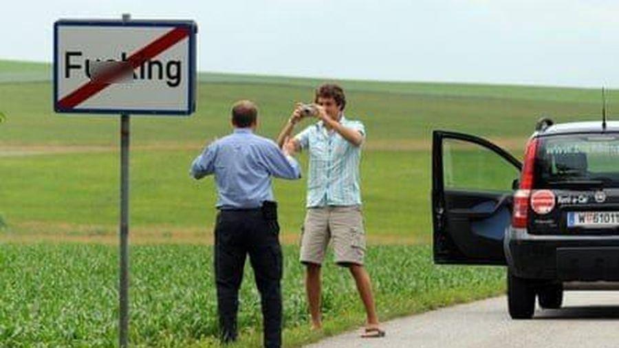 Gặp rắc rối với cái tên 'tục tĩu', ngôi làng ở Áo quyết định đổi tên