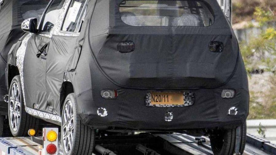 Hyundai lộ ảnh thử nghiệm crossover cực nhỏ với lốp mỏng