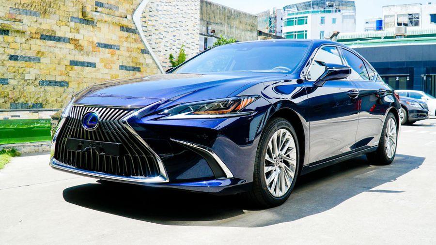 Lexus ES thế hệ mới về Việt Nam, giá từ 2,5 tỷ đồng