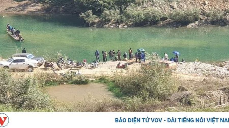 Chưa tìm thấy cán bộ giám sát giao thông bị nước cuốn trôi tại Điện Biên