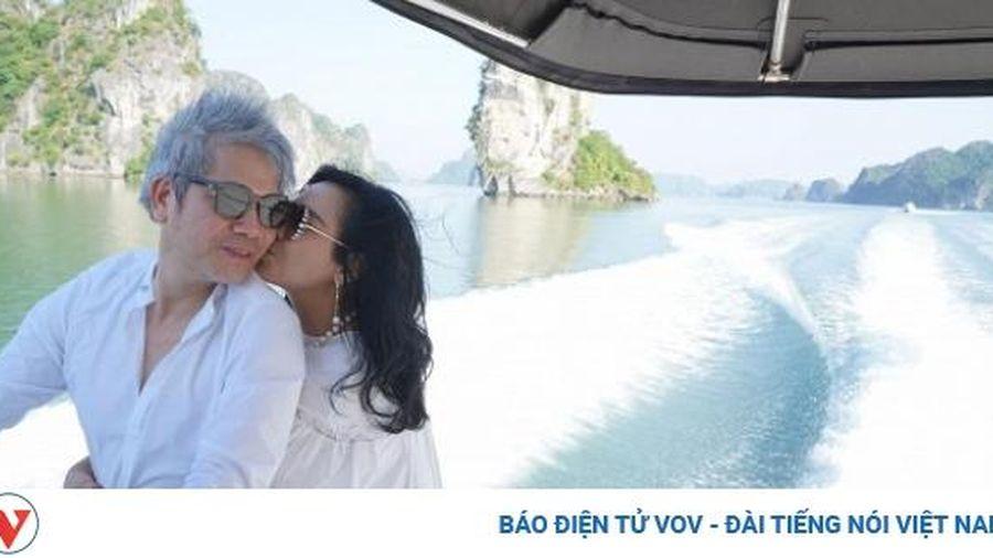 Chuyện showbiz: Diva Thanh Lam tình tứ ôm bạn trai từ phía sau khi đi du lịch