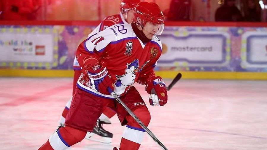 COVID-19 có ngăn ông Putin thi đấu hockey ở Quảng trường Đỏ?