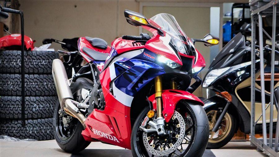 Các mẫu sportbike 1.000 cc Nhật Bản đang bán tại Việt Nam