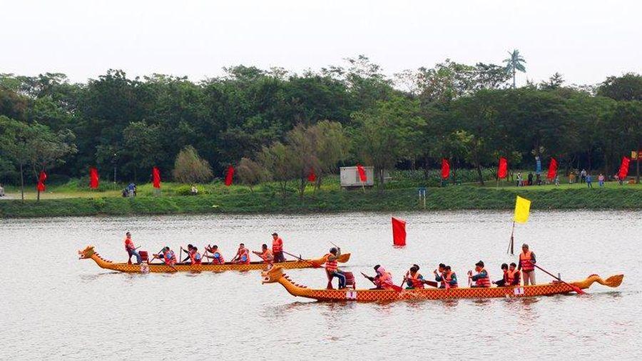 Sôi nổi giải bơi trải truyền thống quận Hoàng Mai lần thứ II