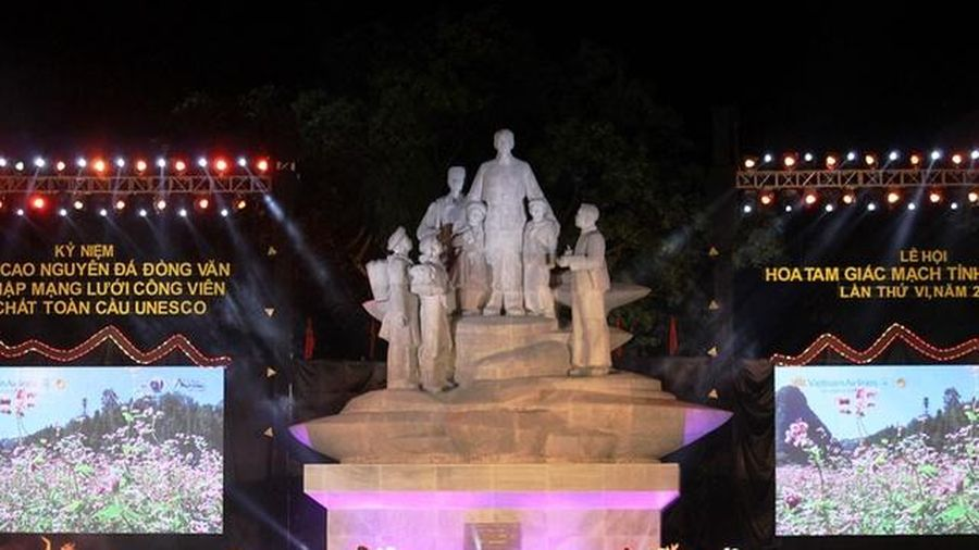 Lễ hội Hoa tam giác mạch thu hút hàng nghìn du khách