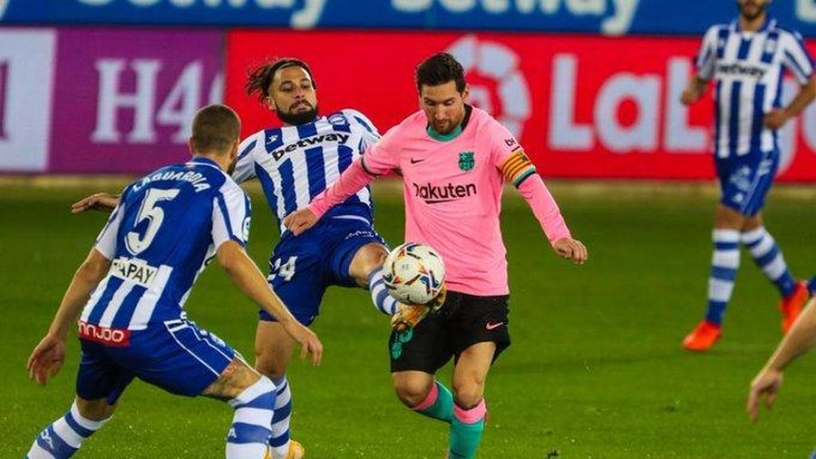 Barca 0-0 Osasuna: Messi tái xuất (H1)