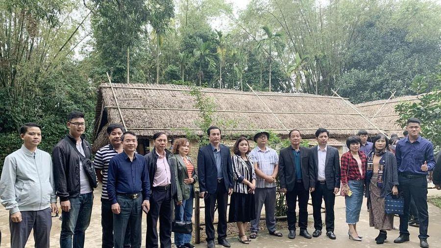 Đoàn công tác Bình Định khảo sát sản phẩm du lịch của Nghệ An