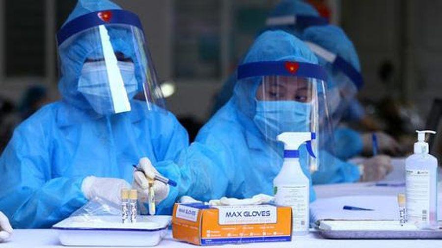 Thêm 2 người nhập cảnh từ Nhật Bản nhiễm Covid-19
