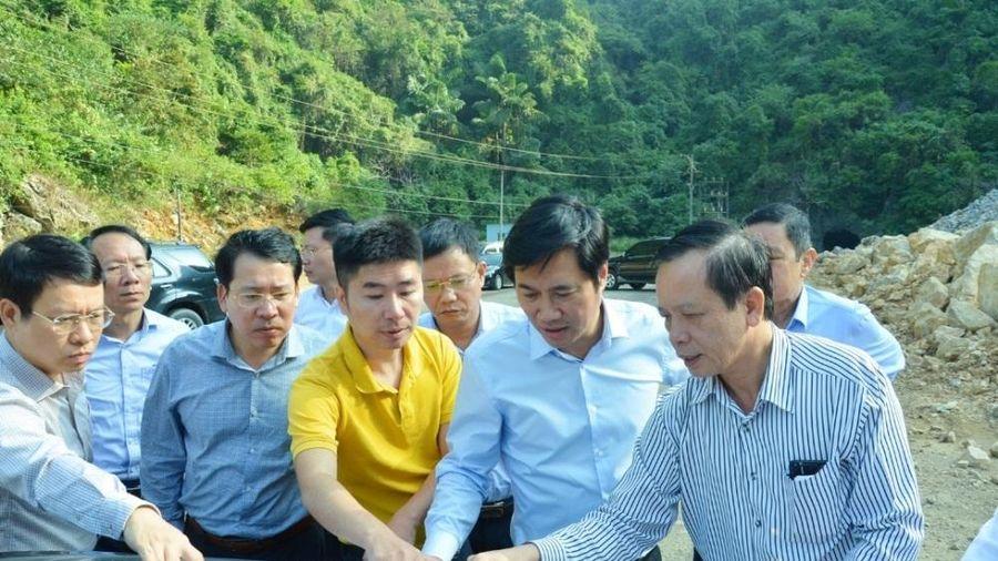 Cẩm Phả (Quảng Ninh): Xây dựng đường ra cảng Con Ong - Hòn Nét