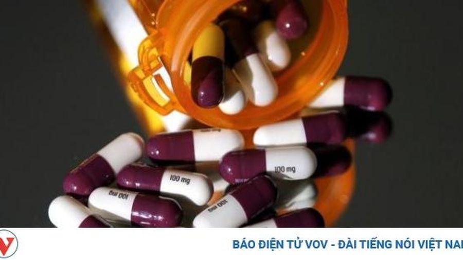 Quan hệ Mỹ - Canada đột ngột nóng lên vì 'cuộc chiến thuốc'