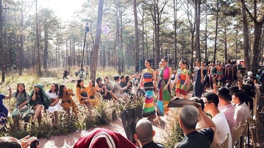 Bế mạc lễ hội Văn hóa thổ cẩm Việt Nam