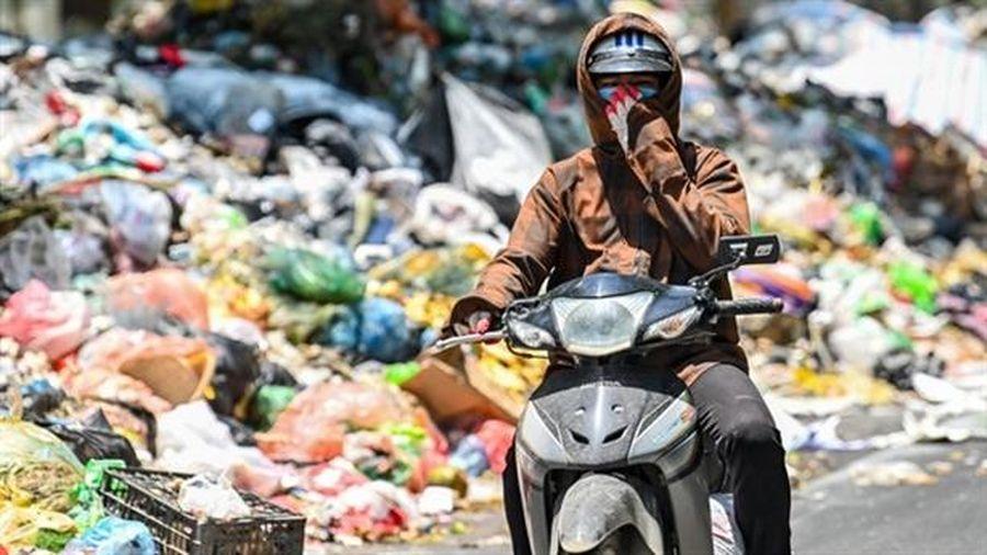 Hà Nội phân loại rác thành hai loại: Làm được không?