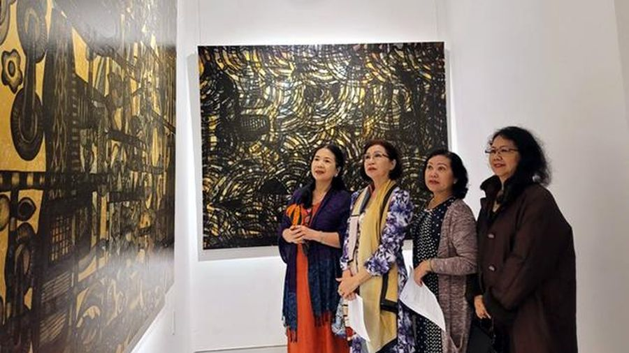 Anh em họa sĩ song sinh Lê Ngọc Thanh- Lê Đức Hải ra mắt 'Ảo ảnh'