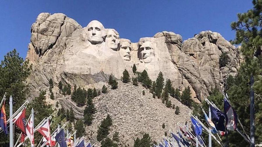 Núi Rushmore có gì đặc biệt để trở thành biểu tượng của nước Mỹ?