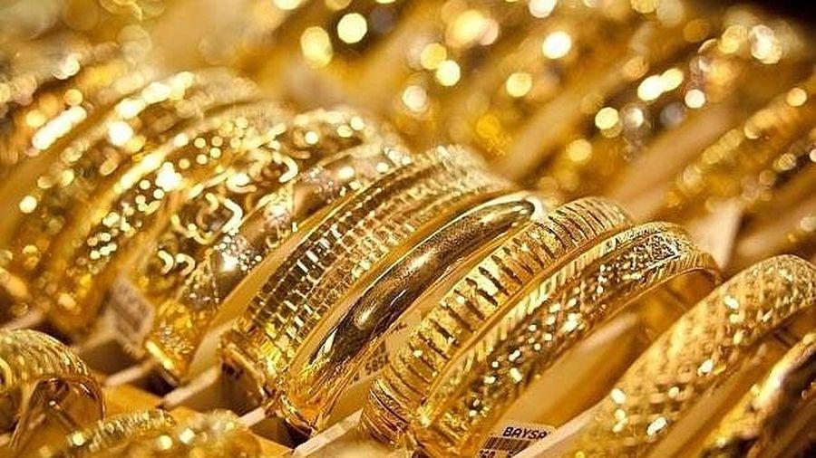 Vàng thế giới và trong nước đồng loạt giảm giá