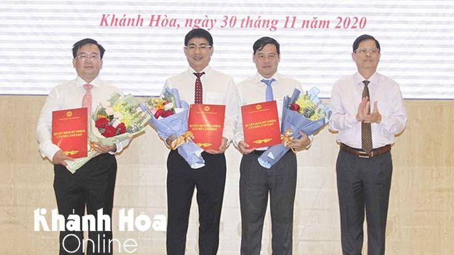 Khánh Hòa bổ nhiệm 4 lãnh đạo Sở Tài nguyên - Môi trường và Sở Xây dựng
