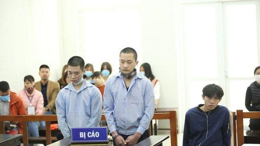 Lái xe Grap ở Hà Nội bị đâm liên tiếp, cướp tài sản