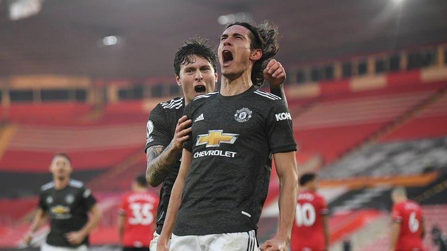 Edinson Cavani tỏa sáng giúp M.U ngược dòng đánh bại Southampton