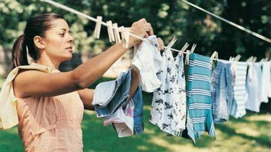 Cách làm cho quần áo không bị hôi khi trời mưa dài ngày