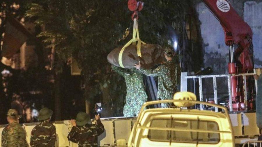 Quả bom nặng 340kg đã được di dời an toàn khỏi phố Cửa Bắc