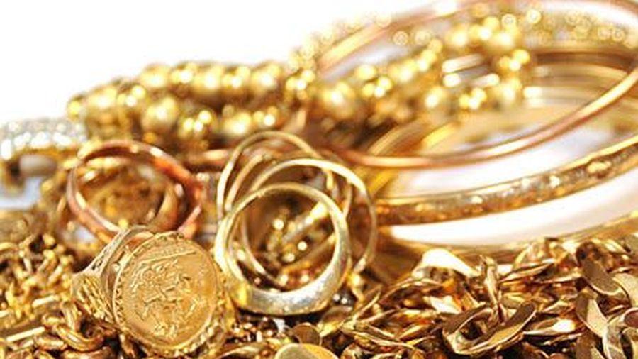 Vàng trong nước và thế giới vừa trải qua tuần giảm giá mạnh