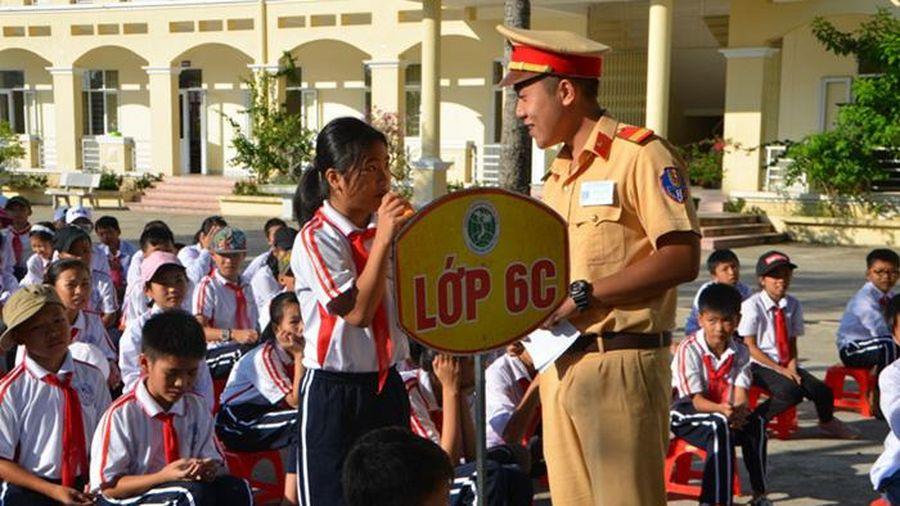 Bảo đảm an toàn giao thông cho học sinh trong dịp nghỉ Tết Nguyên đán 2021