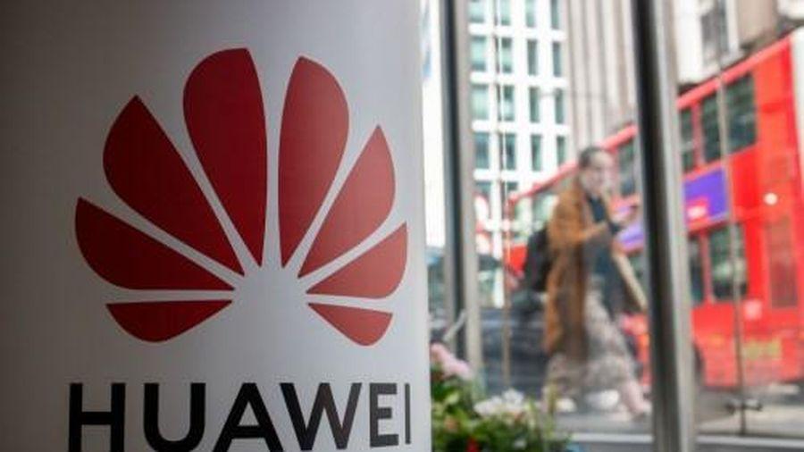 Các nhà mạng Anh sẽ bị phạt tới 100.000 Bảng nếu sử dụng thiết bị 5G của Huawei từ năm 2021