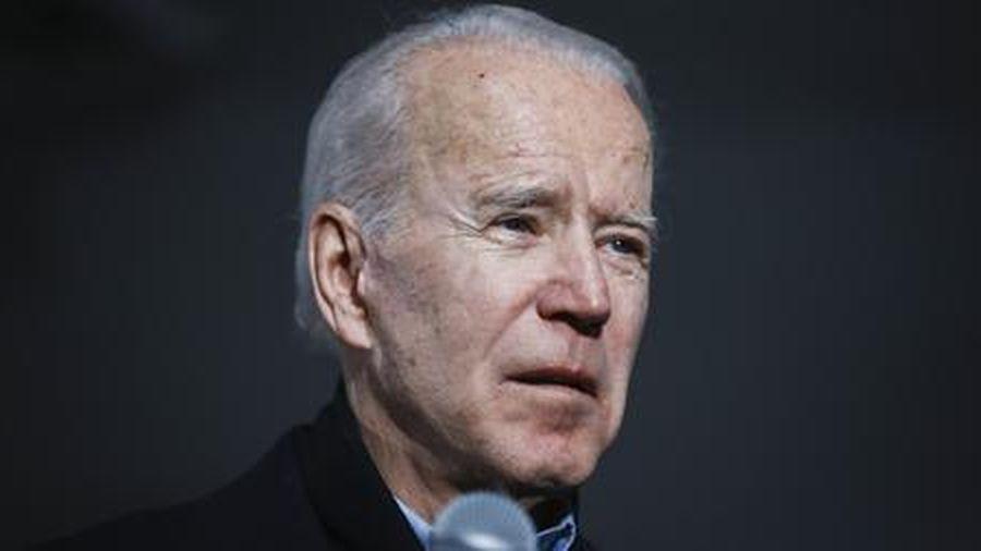 Ông Joe Biden phải vào bệnh viện