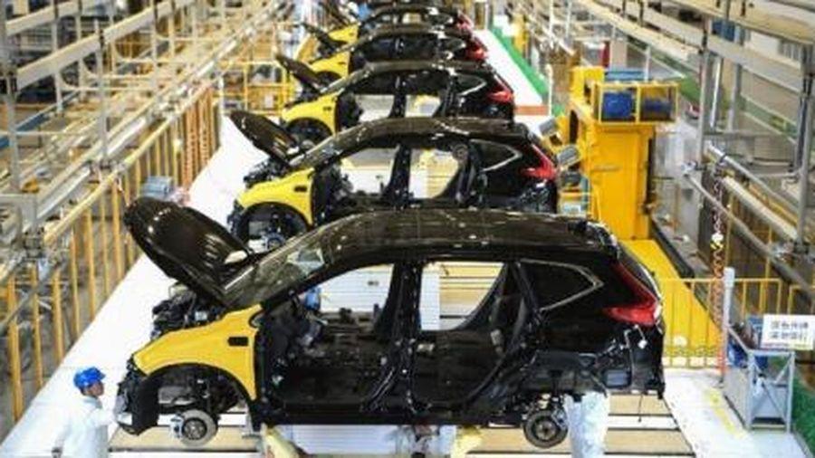 Nhân tố nào kéo lĩnh vực chế tạo của Trung Quốc hồi phục vượt dự báo?