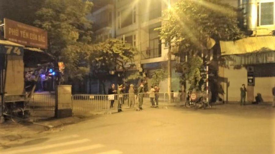 Di dời thành công quả bom nặng 340kg trên phố Cửa Bắc, Hà Nội