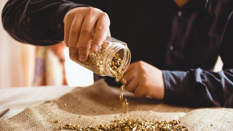 Giá vàng hôm nay ngày 30/11: Giá vàng giảm mạnh gần 700.000 đồng/lượng