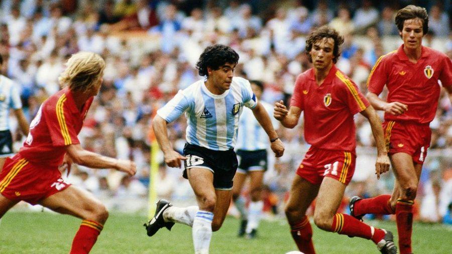 Bàn thắng đầu tiên ở giải thế giới của Maradona