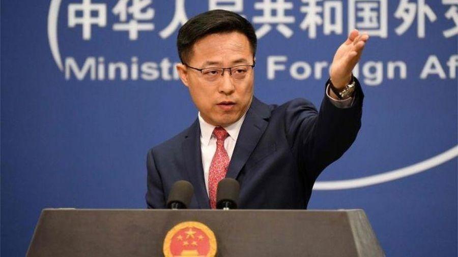 Trung Quốc không xin lỗi dù đăng ảnh giả vụ lính Australia cứa cổ dân