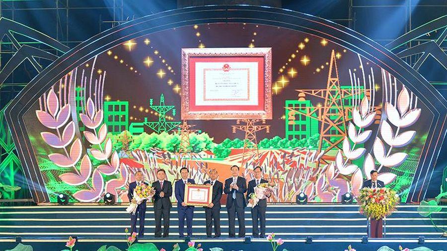 Huyện Yên Thành đạt chuẩn Nông thôn mới và đón nhận Huân chương Lao động hạng ba