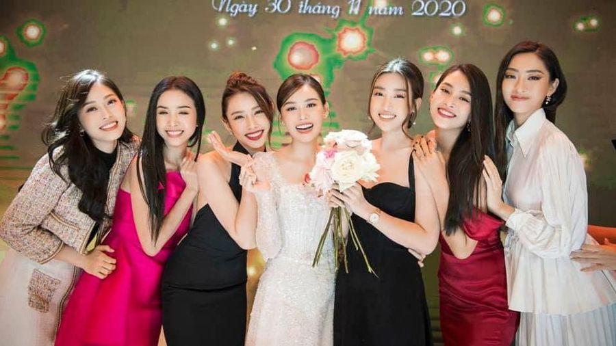 Tiểu Vy có ý gì đây, khi bắt được hoa cưới của Tường San nhưng lại trao cho Mỹ Linh?