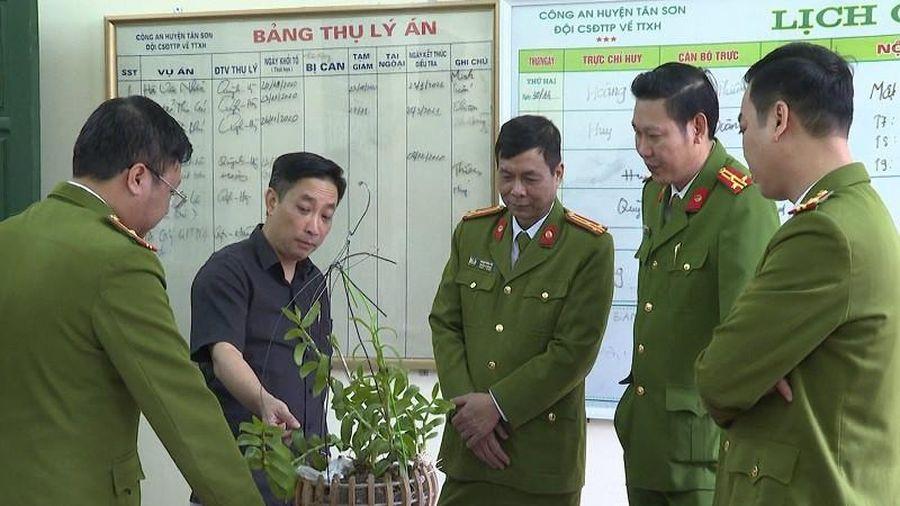 Phú Thọ: Bắt nhóm đối tượng lừa đảo hoa lan đột biến